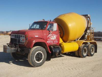 Transit mixer: GMC 9500 truck with T. L. Smith rear discharge mixer.